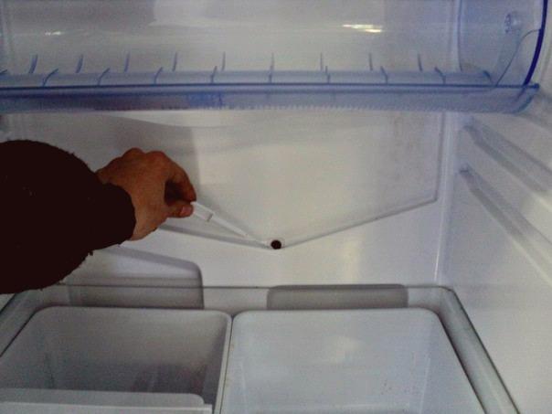 Засор дренажа морозилки