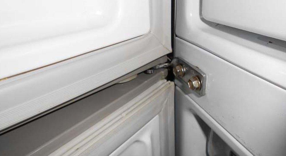 петли холодильника