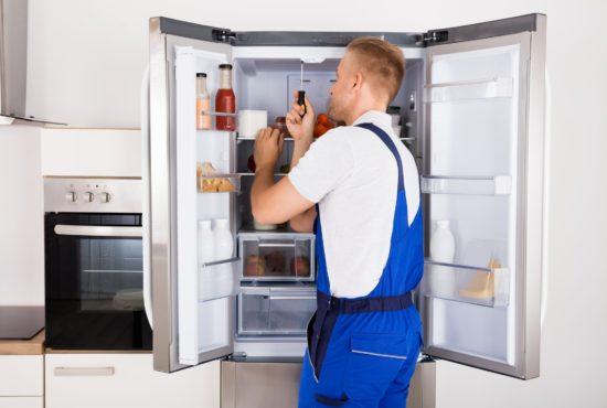 10 причин, почему трещит холодильник при работе
